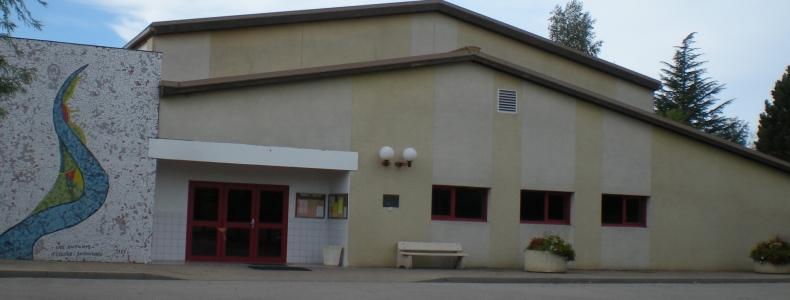 Restauration de la salle de réunion et du complexe sportif
